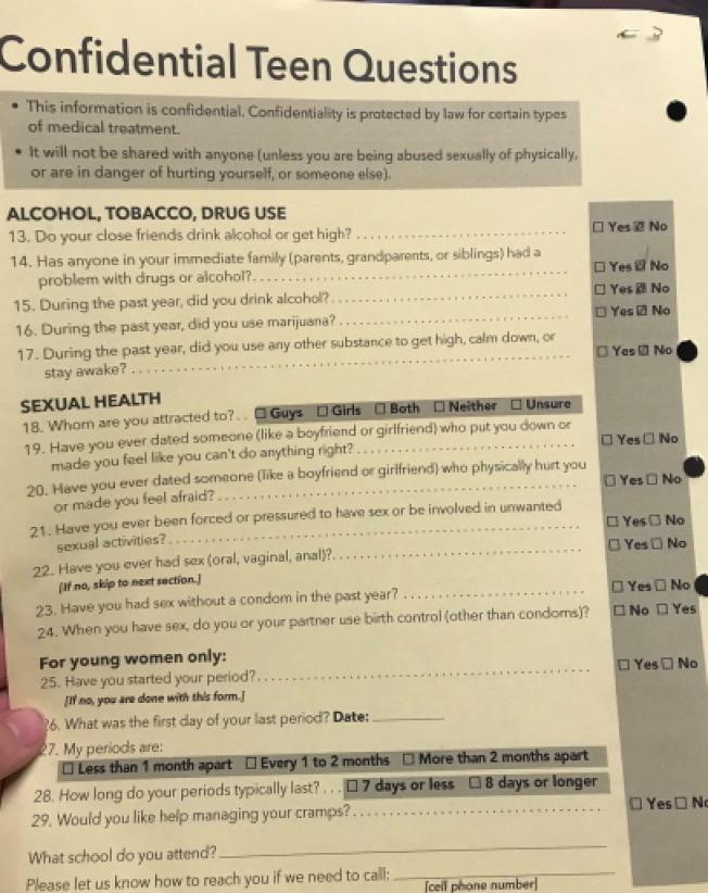 加州醫生必須給12歲以上未成年病人的調查問卷,據悉家長不能看。(受訪者提供)