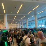 海關電腦當機 全美機場大亂 入境苦等3小時