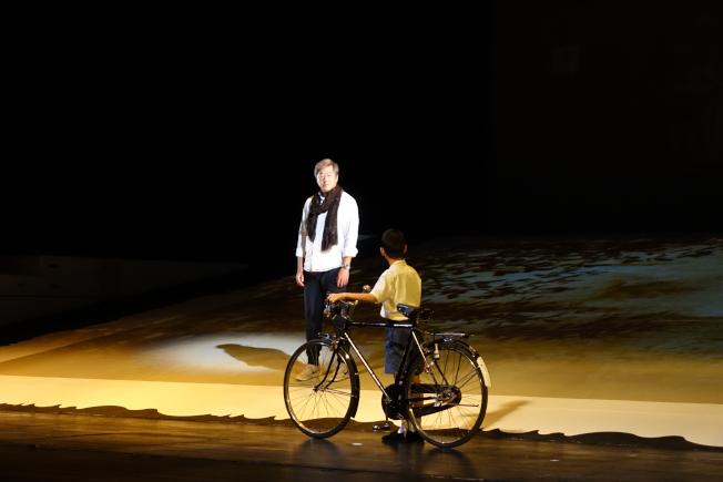 腳踏車是王偉忠童年難以磨滅的親情印記。(主辦單位提供)