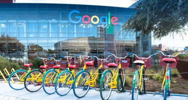 矽谷7月新增工作5000份,占全加州7月全部新增工作的四分一;矽谷一些大公司如Google和臉書,積極擴張和招聘,成為創造新工作的主要動力。圖為Google在山景城的總部。(Getty Images)