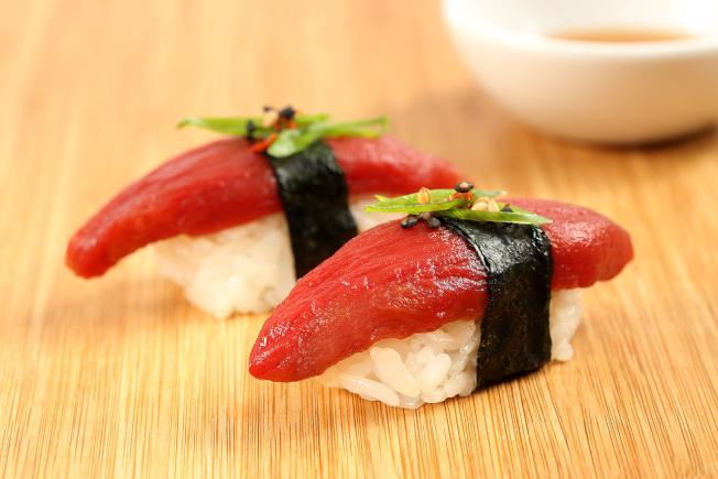 Ocean Hugger以番茄製作鮪魚生魚片。圖片擷取自Ocean Hugger官網。