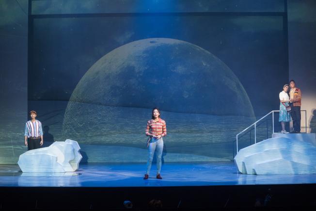 「綠島小夜曲」以穿越劇的形式,帶民眾重返1960年代的台灣。圖/ 果陀劇場提供