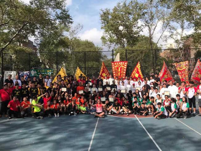 第三屆「美國龍獅日」17日在曼哈頓華埠羅斯福公園舉行,16隻獅隊及十餘家武館參與。(主辦方提供)