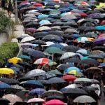 香港驚見軍帳 維園「流水式」集會至11點 北京鎮壓可能性增