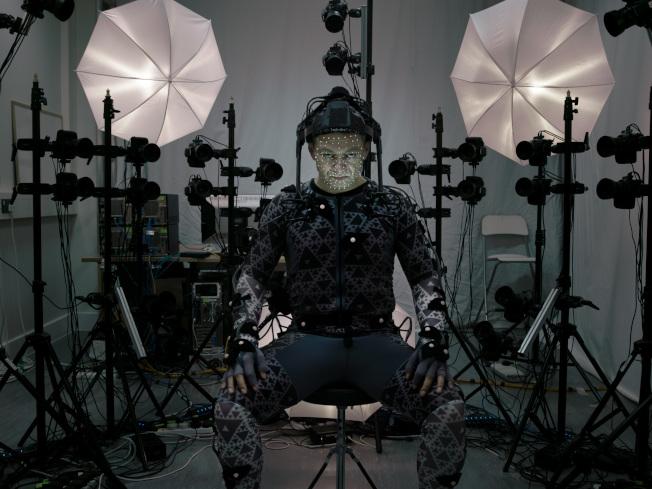 過去人要穿戴電子感應器,以此捕捉動作再組合成動畫。(取材自豆瓣電影)