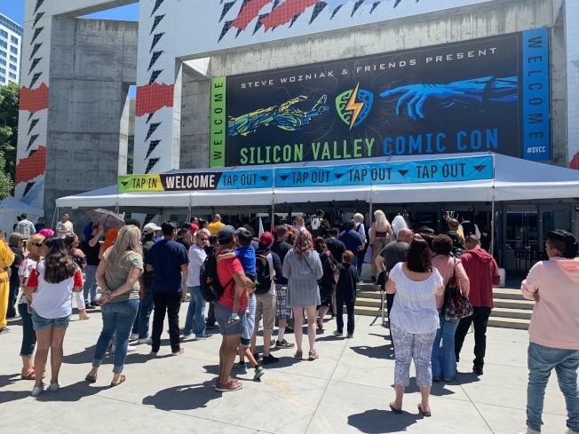 2019矽谷漫畫展於聖荷西登場,吸引眾多粉絲共襄盛舉,電玩、漫畫迷也用心打扮成喜愛的角色。(記者林亞歆/攝影)