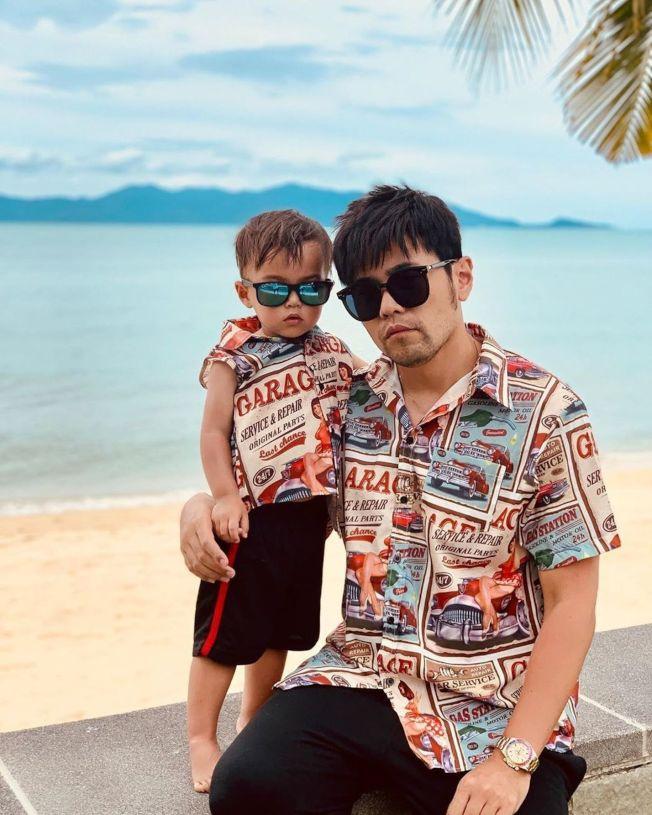 周杰倫曬出與兒子穿父子裝的照片,引發粉絲關注。(取材自instagram)