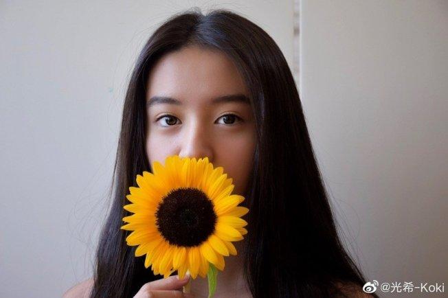 木村光希上傳了一系列的清涼照片,突破以往的尺度讓看到的人相當驚艷。取材自微博