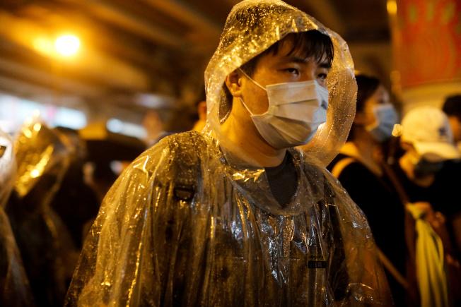 香港民陣下午在銅鑼灣維多利亞公園舉行「流水式」反對修訂《逃犯條例》集會。路透