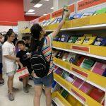 返校季…手機購物者增加 把握8月促銷期