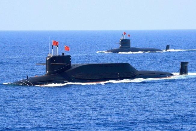 澳洲雪梨大學研究指出,美中若發生戰爭,中國的飛彈可以在數小時內癱瘓部署在西太平洋的美軍基地和艦隊。圖為中國解放軍的09IV型核潛艦。(路透)