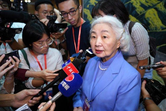 香港前律政司司長梁愛詩18日受訪說,反送中示威者的行為接近「顛覆」層次,但屬於社會治安多於國家安全問題,相信人大不會宣布香港進入緊急狀態。(中通社資料照片)