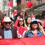 在美親中華人挺港警唱「過火」 白人嗆聲遭圍罵