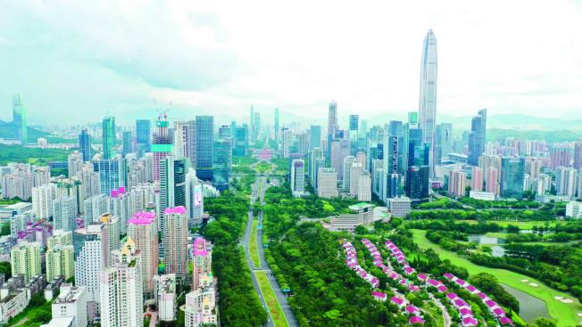 中國提出將把深圳建設為「中國特色社會主義先行示範區」。圖為深圳福田航拍照。(中新社)