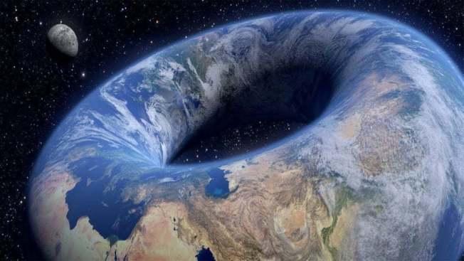 有地平學家認為地球並非是圓的,而是呈現甜甜圈形狀。圖擷自reddit