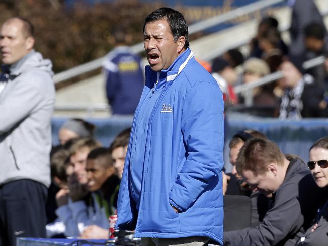 洛杉磯加大的足球校隊總教練沙塞多接受10萬元賄賂,讓華人子弟以體育資優身分獲錄取。(美聯社)