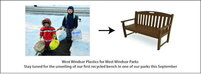 王岩梅所發起的塑膠膜回收成西溫莎市公園長凳環保活動。(王岩梅提供)