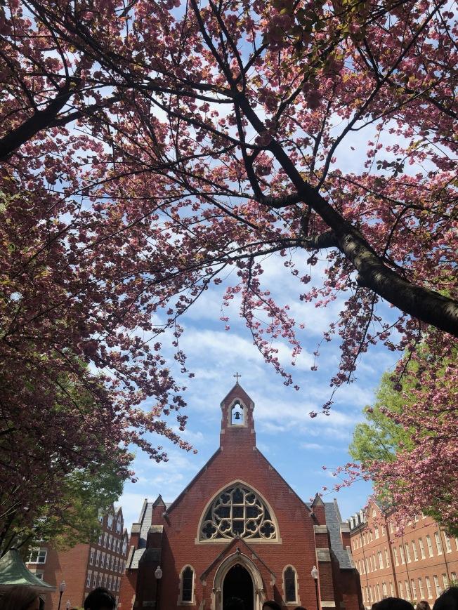 喬治城大學的傳統建築帶有鮮明的羅馬天主教風格。(學生李家軒提供)