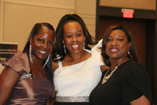 右起年會主講底克甫郡首席檢察官Donna Coleman-Stribling、璞石組織創辦人Dr. Nicole Steele,和Michelle Famuspie。(記者陳淑玲/攝影)