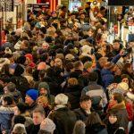 美國消費者扛起全球經濟 能撐多久?