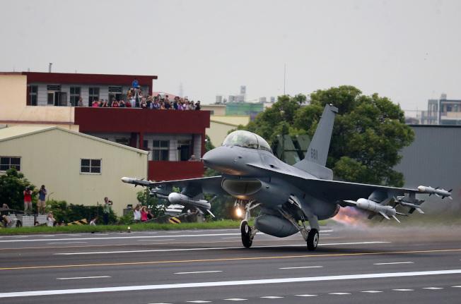 美對台F-16戰機軍售案價值80億美元,是近年來規模最大的對台軍售案。(本報資料照片)