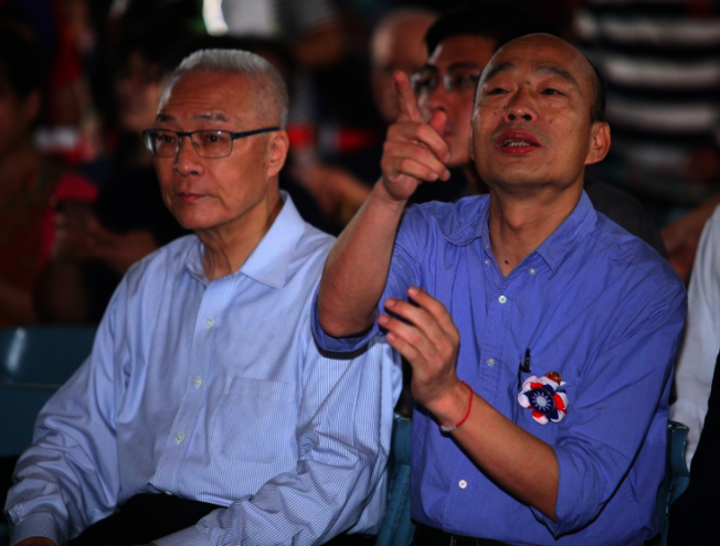 韓國瑜(右)、吳敦義(左)。(本報資料照片)