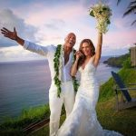 相戀12年 巨石強森娶回2個女兒的媽