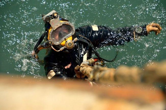 潛水員出水。(取材自中國青年報)