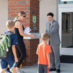 開學了!校方建議家長:小孩子要協助 大孩子要溝通