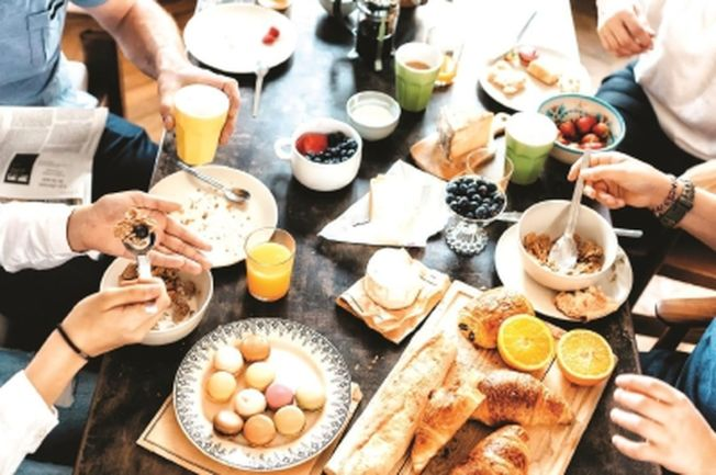 如何抓住新生代消費群體的胃,考驗各家業者的創意。(取材自新聞晨報)