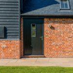 賣房看過來!大門漆黑色 房子售價高6000元