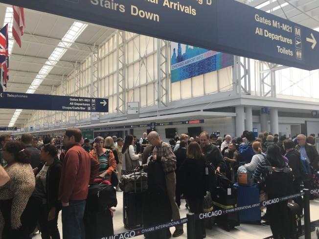 今年勞工節假期,預計將有1750萬人搭機,8月30日為尖峰。(特派員黃惠玲╱攝影)