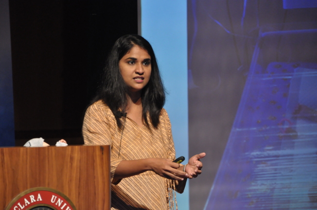印度公司Nemocare代表佩芮狄指出,團隊開發小型非侵入性偵測裝置,幫助偵測基本生理數據,幫助醫療人員照顧嬰兒,提高存活率。(記者林亞歆/攝影)