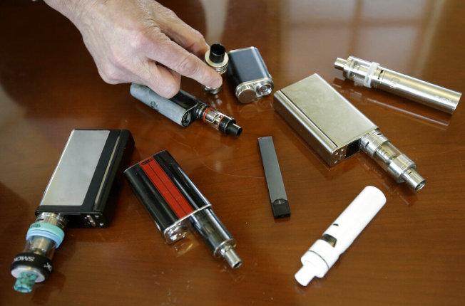 調查稱,聖縣三分之一青少年曾嘗試電子菸。(美聯社)