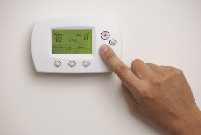 聯邦計畫「能源之星」建議,有人在家時,室溫應保持在華氏78度。( 取自推特)