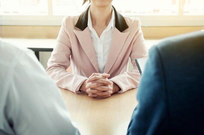 求職如果有朋友介紹,相對容易許多。示意圖/ingimage