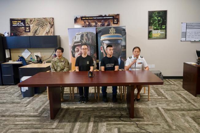 參軍不難好處多,華裔陸軍分享從軍經歷。(記者陳開/攝影)