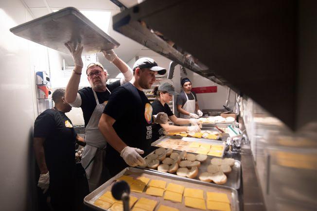 美國餐館的廚房裡,有眾多無證的拉丁裔員工。(Getty Images)