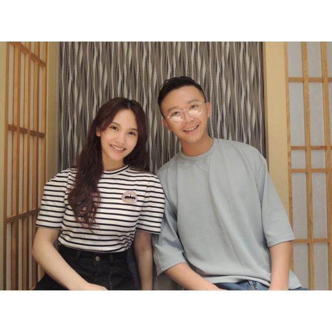金勤(右)與楊丞琳是多年好友,甚至楊丞琳被求婚他也在場。(取材自臉書)