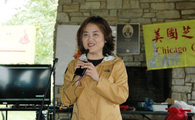 中國駐芝加哥總領館邊志春副總領事會上讚揚協會成立以來,一直幫助鄉親,團結僑社,宏揚中華文化,促進中美的交流合作。