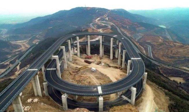 山西天龍山公路已成為網上熱門景點。 (取材自山西旅遊網)