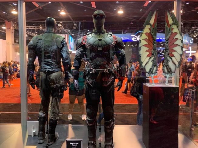 「復仇者聯盟4」角色服裝亮相D23展會。(記者馬雲/攝影)