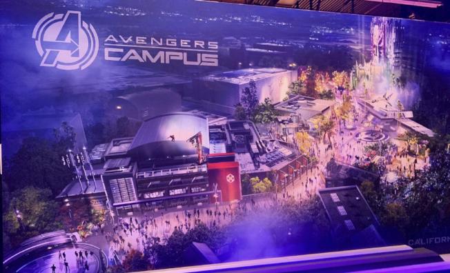 D23展會上的加州冒險樂園漫威主題園區「復仇者聯盟校園」藍圖,2020年開放。(記者馬雲/攝影)