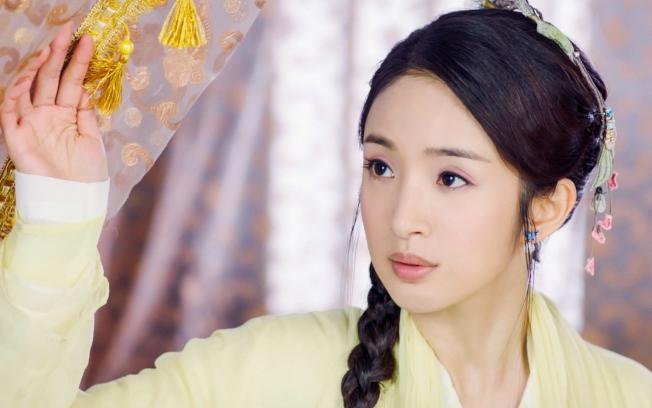 林依晨演出「小女花不棄」。(圖:中視提供)