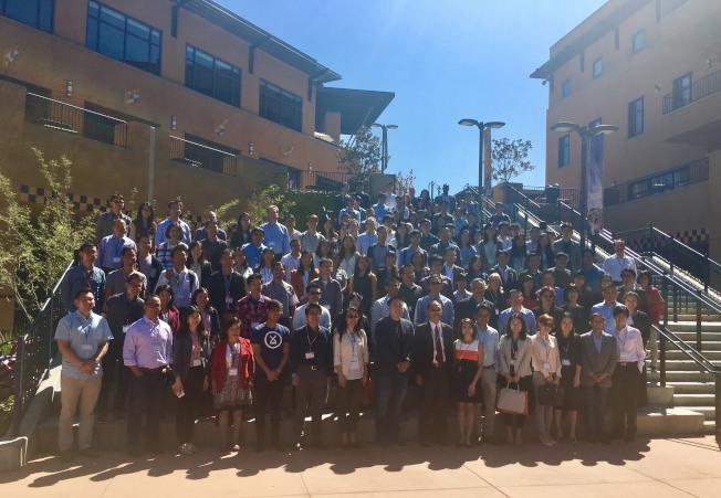 南加州第三屆台美生物科技研討會全體與會代表合影。(記者尚穎╱攝影)