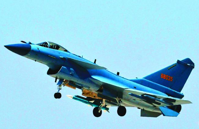 有報導稱,中國殲10C等主力戰機開始換裝國產「太行」發動機。(新華社資料照片)