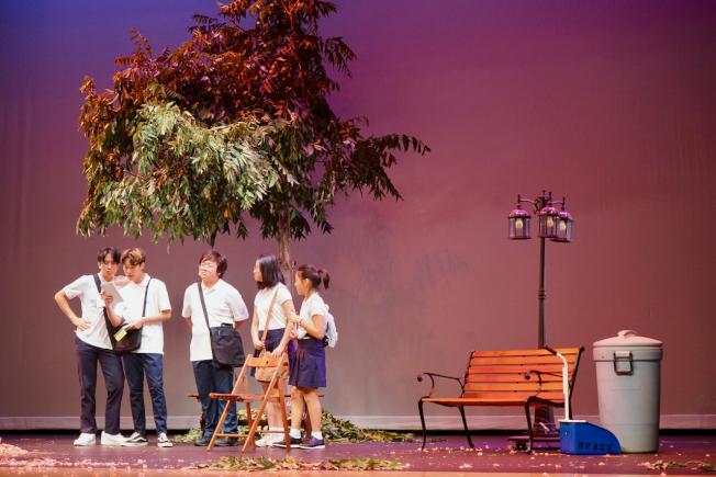 羅省中華會館、方園劇坊共同合作的粵語劇「那一年我們在一起」。(記者陳開/攝影)