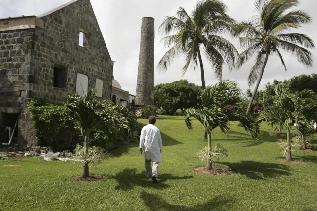 耶魯大學精神病學教授尤金.雷蒙德,被控在校工作44年期間,多次引誘男學生到他位於加勒比海的聖基茨島研究基地(如圖),進行性侵犯。(美聯社)