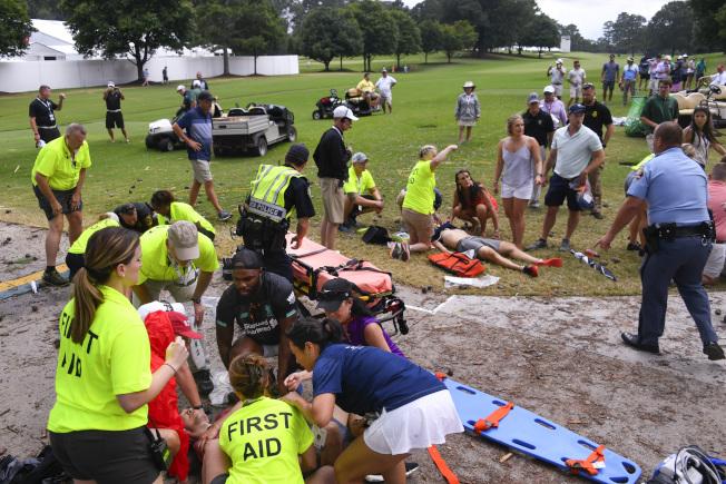 巡迴錦標賽遭遇雷擊,造成6人受傷。(美聯社)