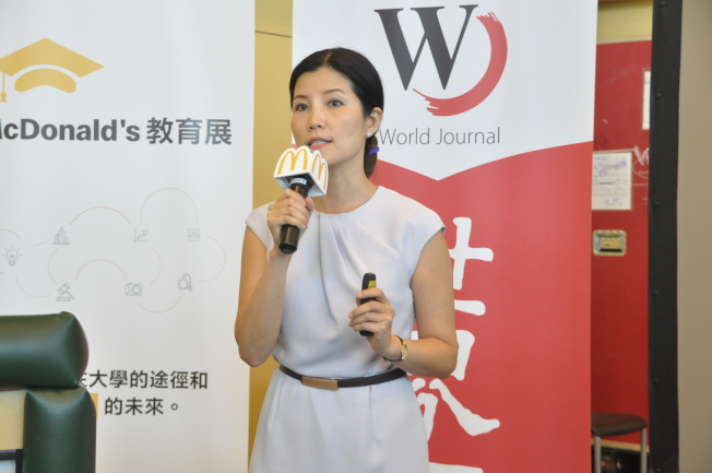 鄒慶紅強調,想進常春藤名校,身邊的導師很重要,好的導師可以幫助學生改變人生。(記者林亞歆/攝影)